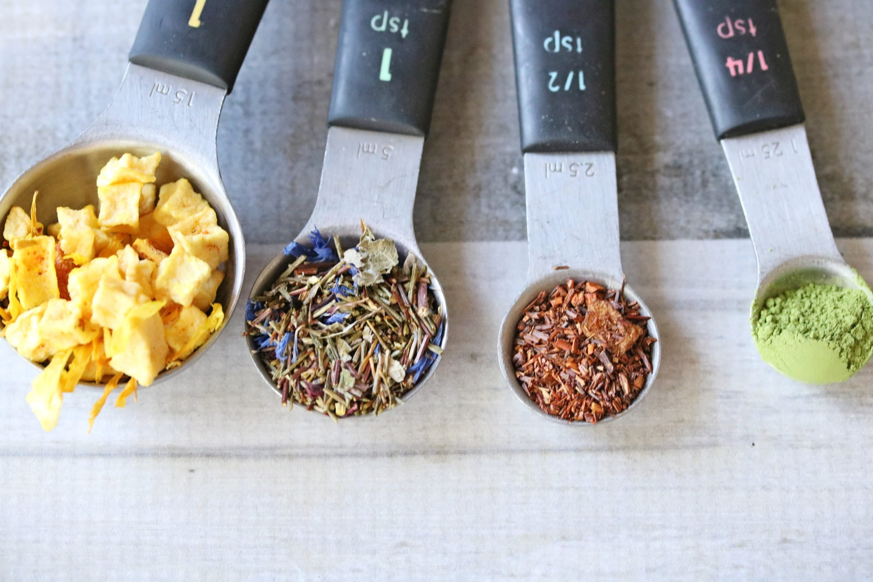 Health benefits of loose leaf tea. Weight loss, disease prevention, gourmet tea, drinks, healthy