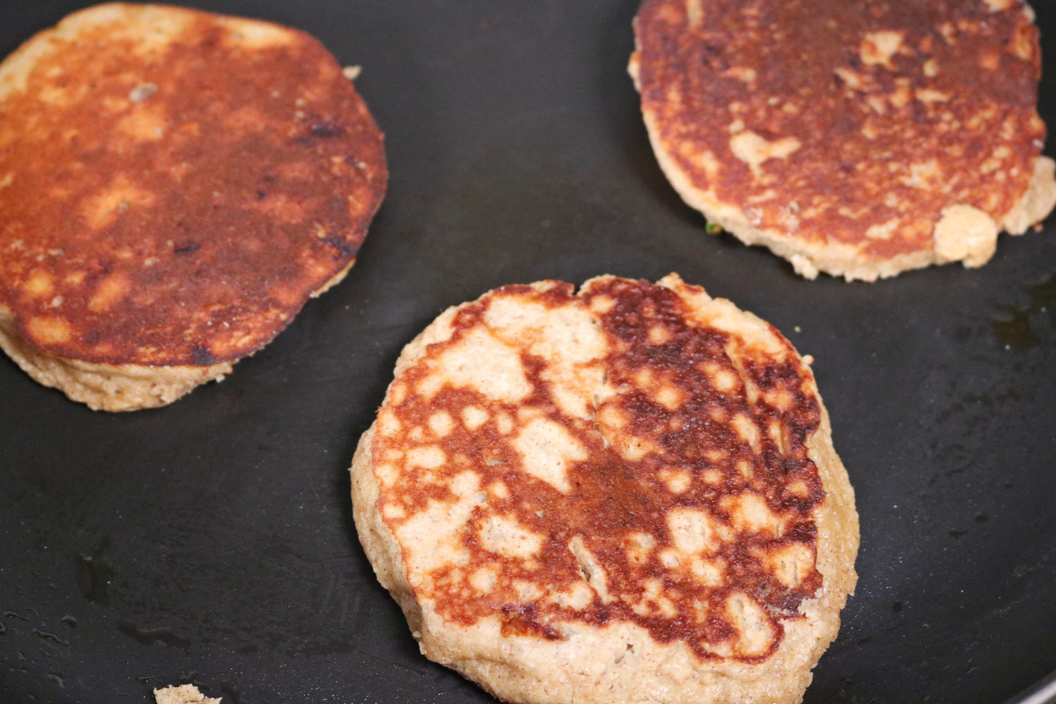 Gluten free peanut butter banana pancakes